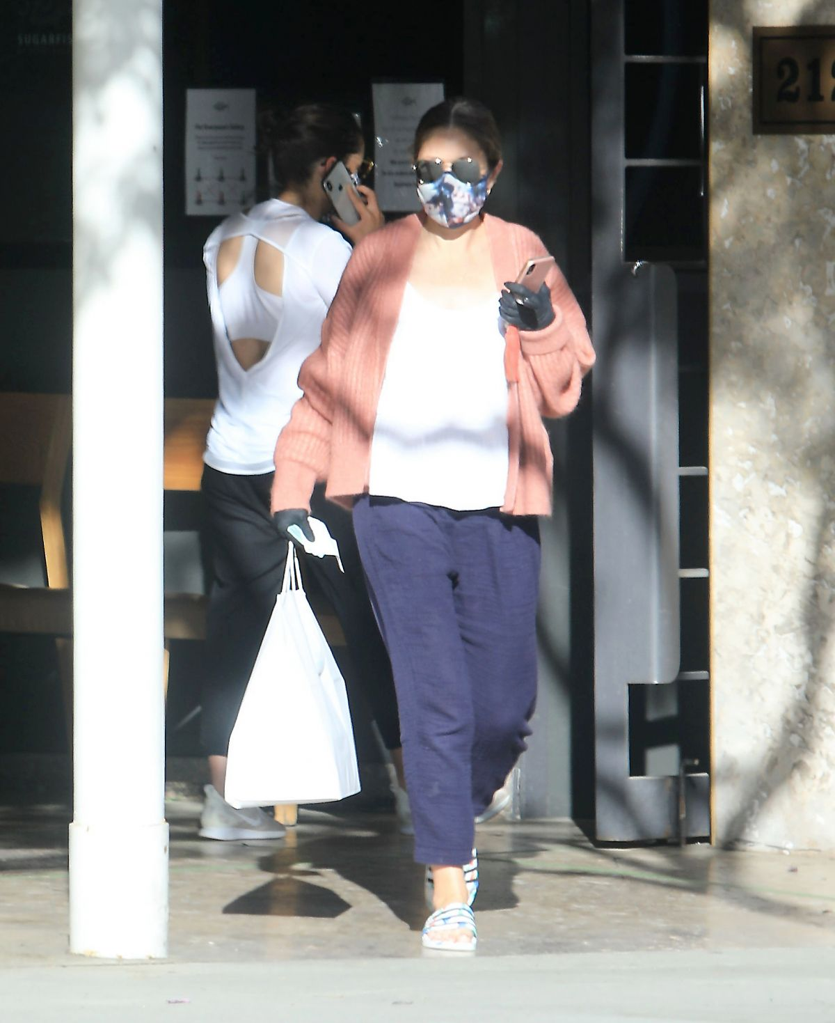 Rebecca Gayheart Wearing Mask and Gloves Out in Bevery Hills, 05.06.2020 9