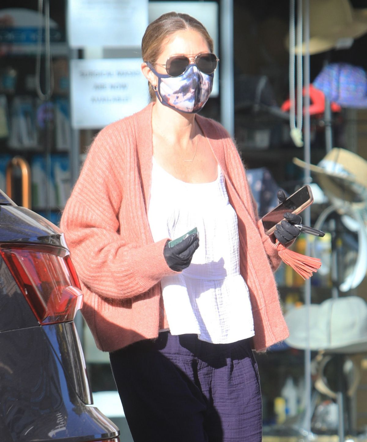 Rebecca Gayheart Wearing Mask and Gloves Out in Bevery Hills, 05.06.2020 0