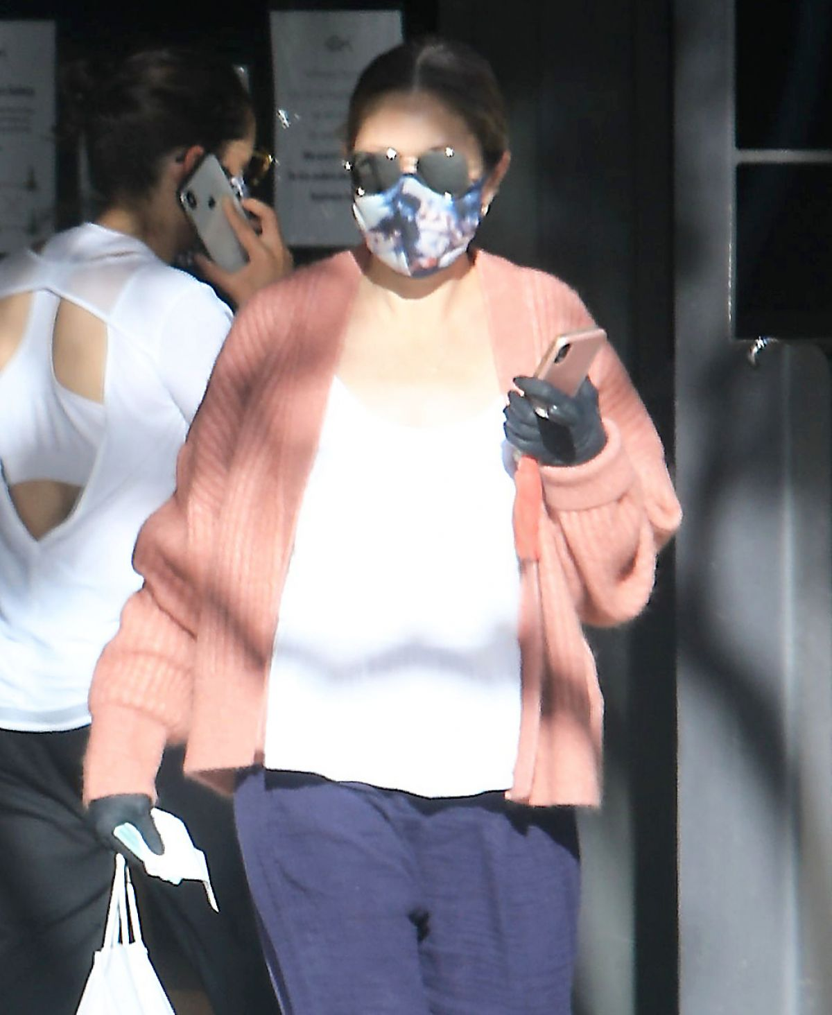 Rebecca Gayheart Wearing Mask and Gloves Out in Bevery Hills, 05.06.2020 1