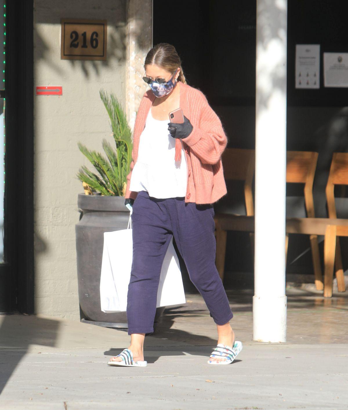 Rebecca Gayheart Wearing Mask and Gloves Out in Bevery Hills, 05.06.2020 11