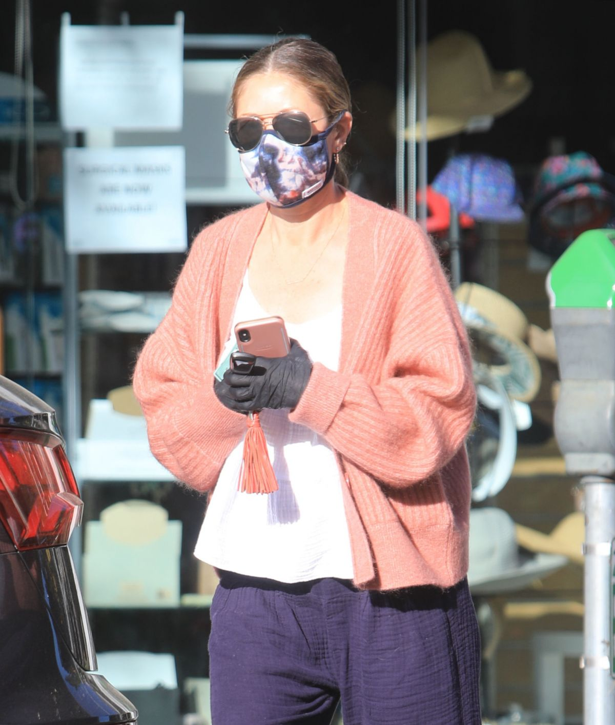 Rebecca Gayheart Wearing Mask and Gloves Out in Bevery Hills, 05.06.2020 12