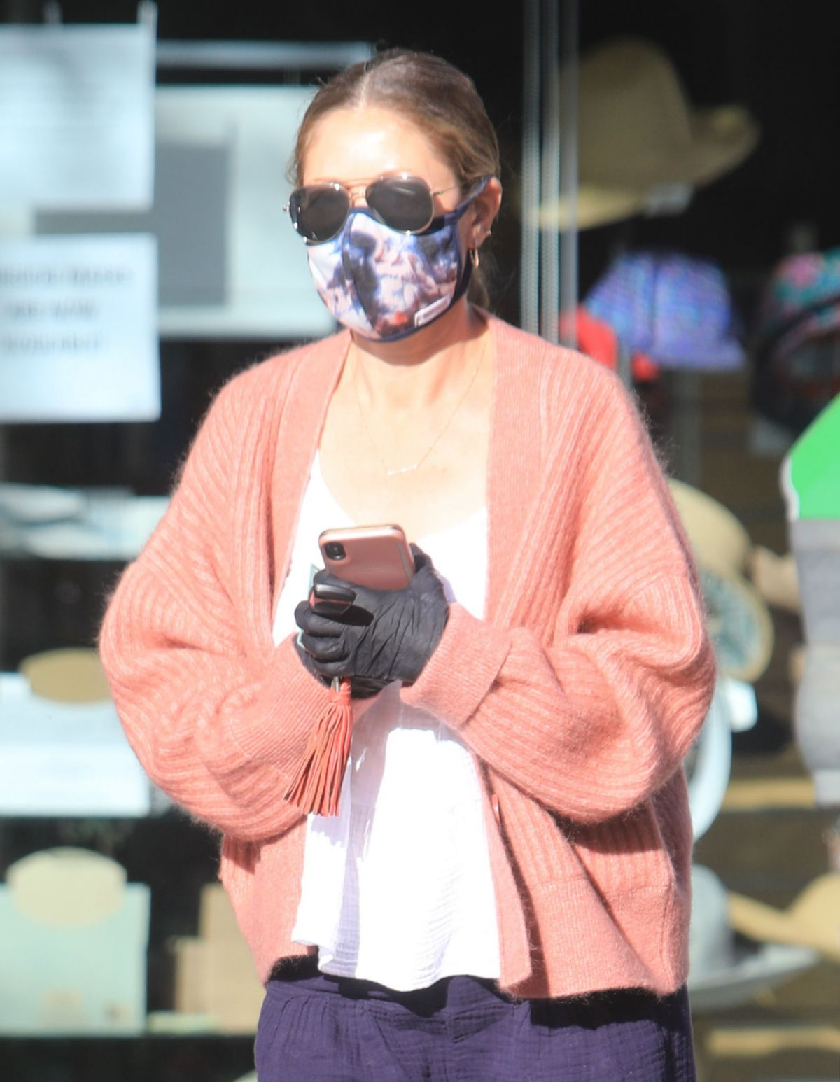 Rebecca Gayheart Wearing Mask and Gloves Out in Bevery Hills, 05.06.2020 8