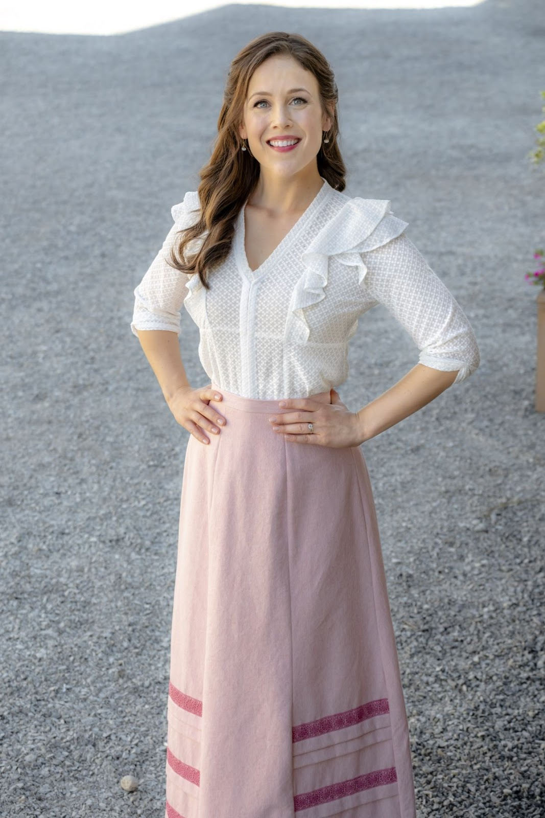 Erin Krakow – When Calls the Heart, Season 6, Poster, Stills and Trailer 3